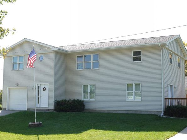 5 bed 3 bath Single Family at 2606 Stafford Blvd Bettendorf, IA, 52722 is for sale at 220k - 1 of 24