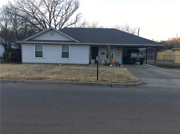 3 bed 2 bath Single Family at 404 Williams Ave Cleburne, TX, 76033 is for sale at 125k - 1 of 3