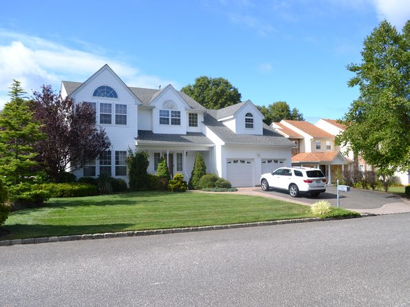 4 bed 3 bath Single Family at 74 Province Dr South Setauket, NY, 11720 is for sale at 599k - 1 of 21