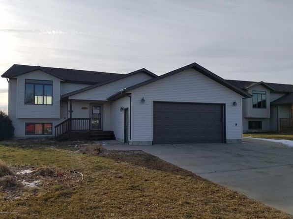 4 bed 2 bath Single Family at 725 27th St W Dickinson, ND, 58601 is for sale at 260k - 1 of 26
