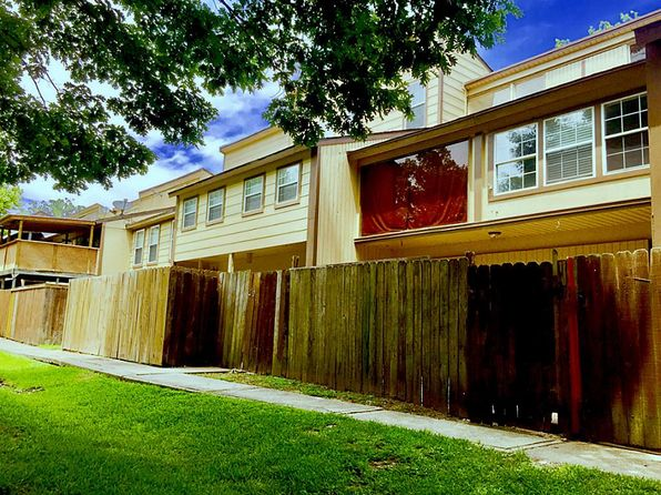 2 bed 2.5 bath Townhouse at 12 Lakeway St Willis, TX, 77318 is for sale at 85k - 1 of 28