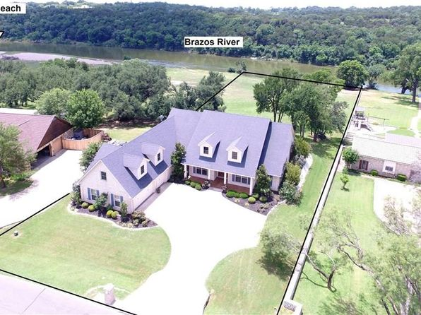 4 bed 4 bath Single Family at 9406 Bellechase Rd Granbury, TX, 76049 is for sale at 550k - 1 of 36