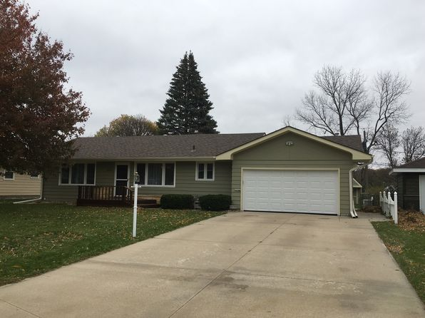 2 bed 2 bath Single Family at 2614 S OLIVE ST SIOUX CITY, IA, 51106 is for sale at 175k - 1 of 19