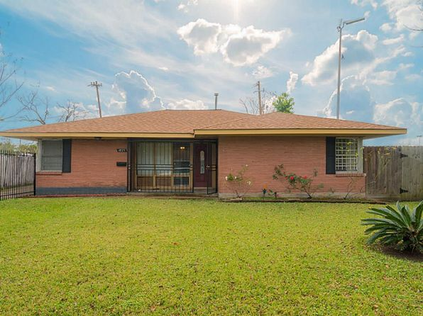 3 bed 2 bath Single Family at 9725 Chatfield St Houston, TX, 77025 is for sale at 340k - 1 of 12