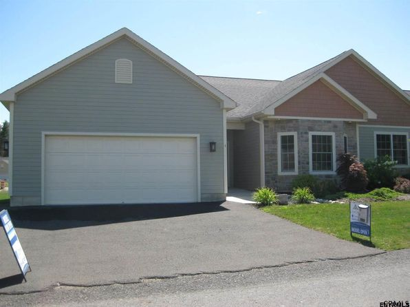 2 bed 2.1 bath Townhouse at 15 Stone Creek Ct Slingerlands, NY, 12159 is for sale at 327k - 1 of 13