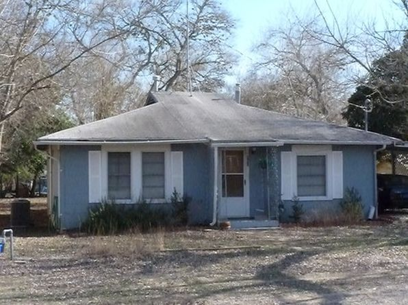 2 bed 2 bath Single Family at 806 Hackberry St Bandera, TX, 78003 is for sale at 95k - 1 of 4
