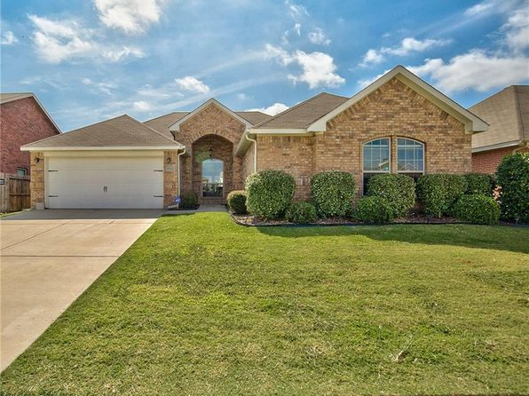 3 bed 2 bath Single Family at 1526 Grey Willow Ln Arlington, TX, 76002 is for sale at 200k - 1 of 35