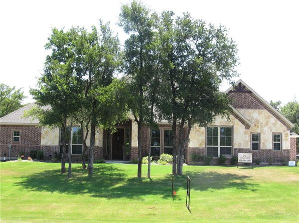 3 bed 3 bath Single Family at 601 S Sugartree Dr Lipan, TX, 76462 is for sale at 329k - 1 of 14