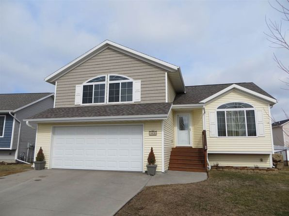 4 bed 4 bath Single Family at 1630 Vesti Ln Iowa City, IA, 52240 is for sale at 258k - 1 of 44