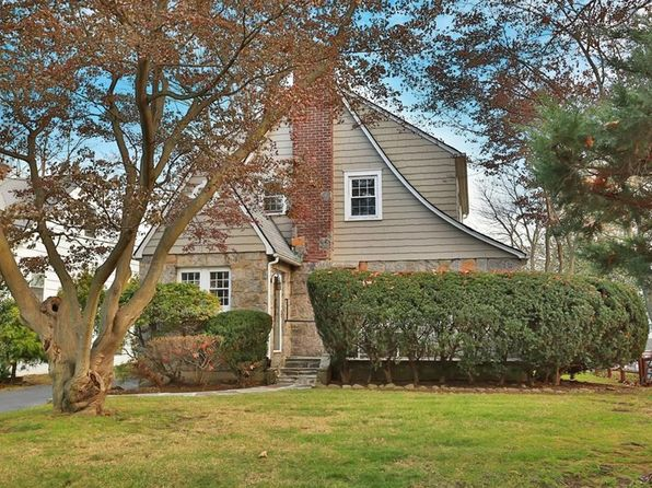 3 bed 3 bath Single Family at 174 Lyons Rd Scarsdale, NY, 10583 is for sale at 829k - 1 of 24