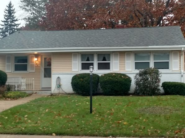 3 bed 1 bath Single Family at 605 W 15th St Sterling, IL, 61081 is for sale at 95k - google static map