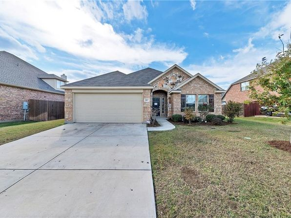 3 bed 2 bath Single Family at 2807 Oak Glen Ct Grand Prairie, TX, 75052 is for sale at 259k - 1 of 30