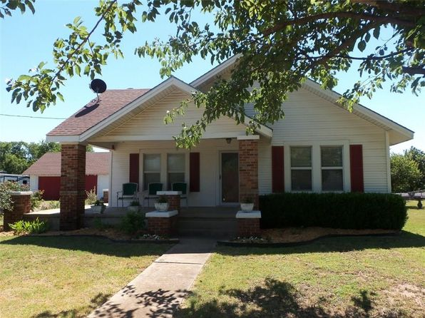 3 bed 2 bath Single Family at 105 N SCHOOL RD Rhome, TX, null is for sale at 250k - 1 of 15