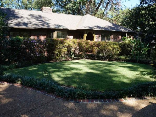Swimming Pool - East Memphis-Colonial-Yorkshire Real Estate ...