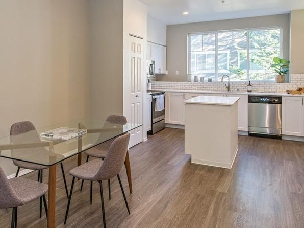 Amazing Apartments For Rent In North Bend Wa Zillow Home Interior And Landscaping Mentranervesignezvosmurscom