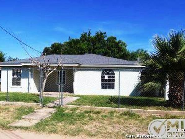 3 bed 2 bath Single Family at 1095 Erika St Eagle Pass, TX, 78852 is for sale at 105k - 1 of 19