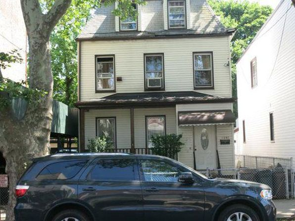 5 bed 3 bath Townhouse at 1097 E 95th St Brooklyn, NY, 11236 is for sale at 629k - google static map