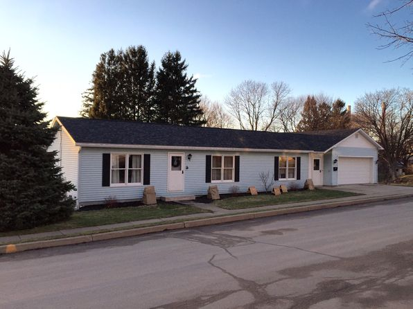 3 bed 2 bath Single Family at 20 Herrick St Oswego, NY, 13126 is for sale at 133k - 1 of 26