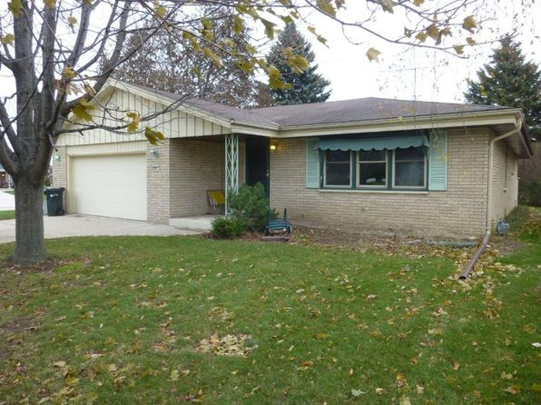 3 bed 3 bath Single Family at 901 Willow Ln South Milwaukee, WI, 53172 is for sale at 157k - 1 of 19