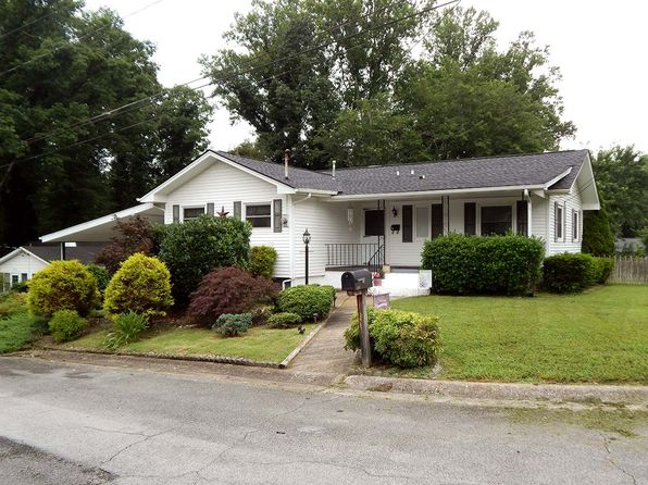 4 bed 2 bath Single Family at 300 W Forest Ln Oak Ridge, TN, 37830 is for sale at 138k - google static map
