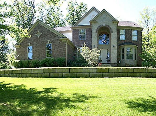 4 bed 5 bath Single Family at 80 Lake Pines Dr Brighton, MI, 48114 is for sale at 485k - 1 of 23