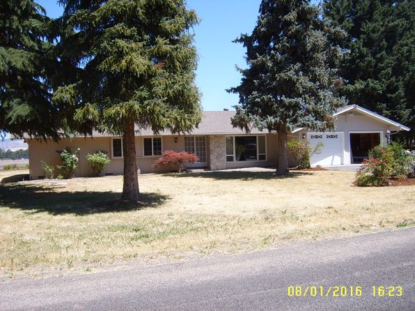 4 bed 3 bath Single Family at 2334 Jerry Rd Central Point, OR, 97502 is for sale at 400k - 1 of 26