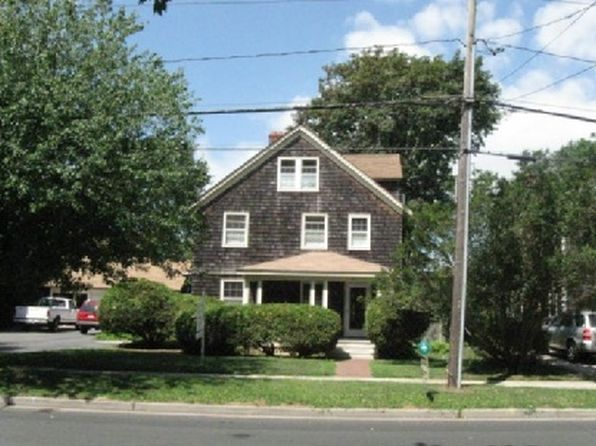 4 bed 3 bath Single Family at Undisclosed Address East Hampton, NY, 11937 is for sale at 1.50m - 1 of 9