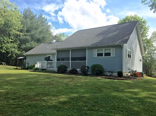 3 bed 2 bath Single Family at 549 Sneaking Creek Dr Hayesville, NC, 28904 is for sale at 230k - 1 of 22