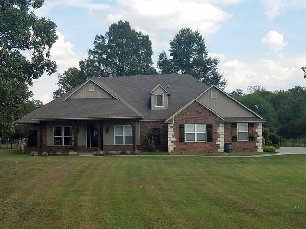 4 bed 3 bath Single Family at 320 S 16th St Lavaca, AR, 72941 is for sale at 245k - 1 of 31