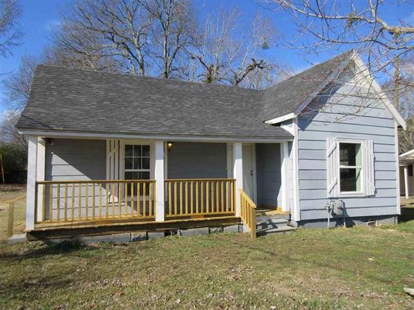 2 bed 1 bath Single Family at 305 Cravens Dr Savannah, TN, 38372 is for sale at 35k - 1 of 11
