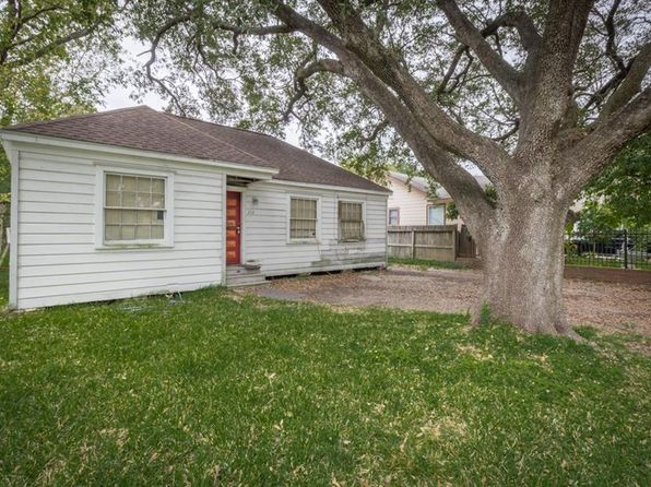 2 bed 1 bath Single Family at 212 Center St Pasadena, TX, 77506 is for sale at 70k - 1 of 14