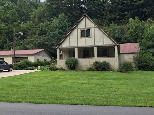 4 bed 3 bath Single Family at 2967 Hurricane Rd Pikeville, KY, 41501 is for sale at 215k - 1 of 26