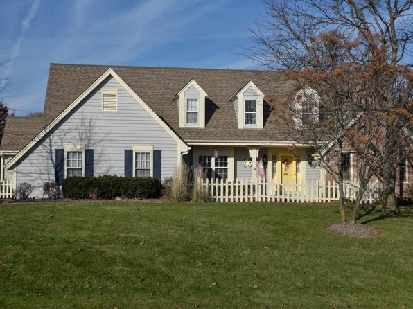 3 bed 3 bath Single Family at 8808 W Bennington Ct Mequon, WI, 53097 is for sale at 465k - 1 of 25