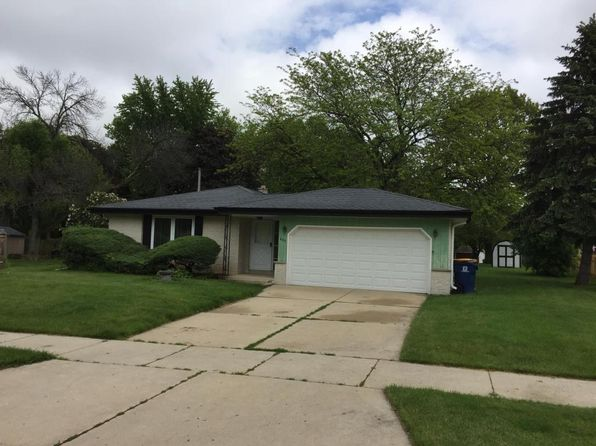 3 bed 2 bath Single Family at 639 E Laverne Dr Oak Creek, WI, 53154 is for sale at 190k - 1 of 17