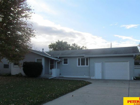 3 bed 2 bath Single Family at 2305 E 12th St Fremont, NE, 68025 is for sale at 140k - 1 of 20