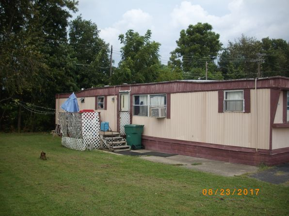 2 bed 1 bath Mobile / Manufactured at 1255 S Wilson Rd Radcliff, KY, 40160 is for sale at 8k - 1 of 4