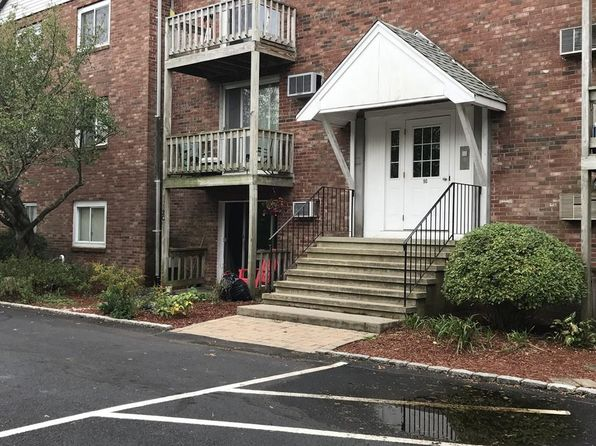 1 bed 1 bath Condo at 90-92 Sandwich Rd Bourne, MA, 02532 is for sale at 119k - 1 of 12
