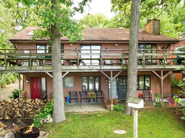 4 bed 3 bath Single Family at 8828 N Dix Dr Milton, WI, 53563 is for sale at 385k - 1 of 25