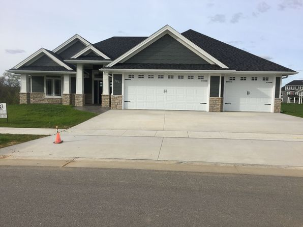 4 bed 4 bath Single Family at 1971 Creek Wood Dr Dubuque, IA, 52003 is for sale at 560k - 1 of 16