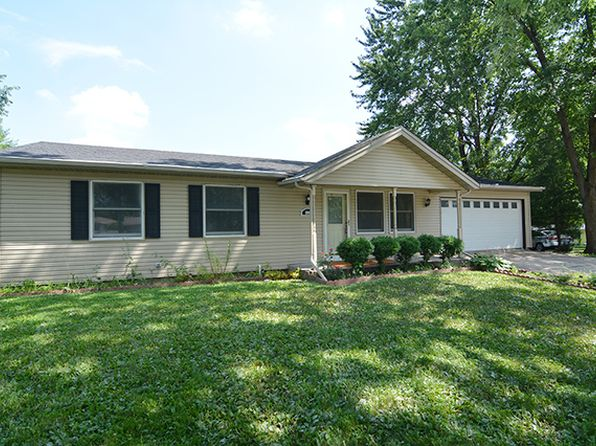 3 bed 3 bath Single Family at 800 Helen Ave South Elgin, IL, 60177 is for sale at 190k - 1 of 22