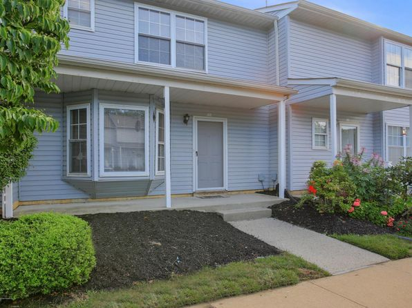 2 bed 3 bath Townhouse at 60 County Rd Cliffwood, NJ, 07721 is for sale at 205k - 1 of 22
