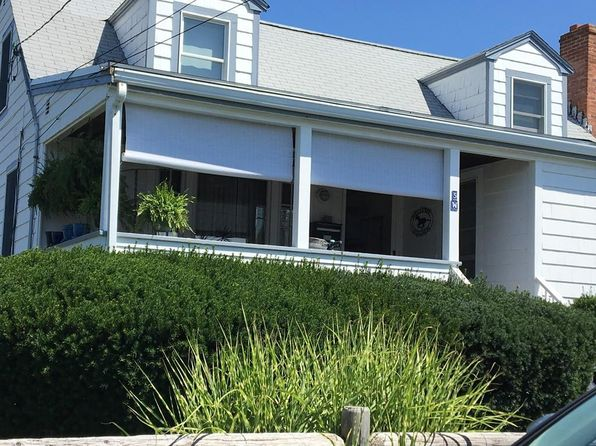 4 bed 2 bath Single Family at 5 W St Hull, MA, 02045 is for sale at 470k - 1 of 26