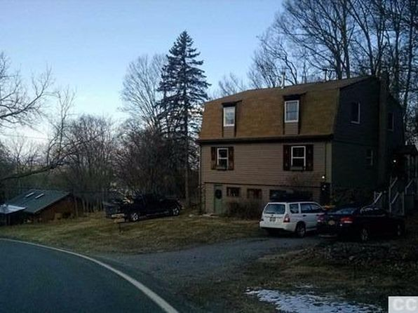 4 bed 2 bath Single Family at 11 PRIMROSE HILL RD RHINEBECK, NY, 12572 is for sale at 195k - 1 of 7