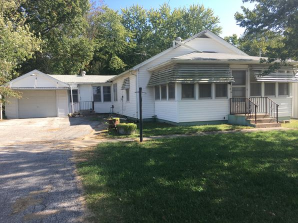 3 bed 1 bath Single Family at 28 RR 2 Carrollton, IL, 62016 is for sale at 85k - 1 of 11