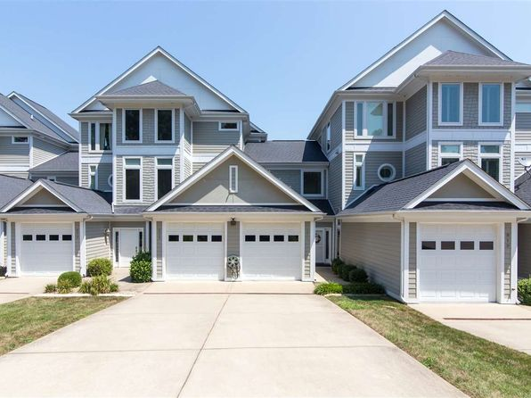 5 bed 3 bath Condo at 829 Marina Village Dr Grand Rivers, KY, 42045 is for sale at 366k - 1 of 24