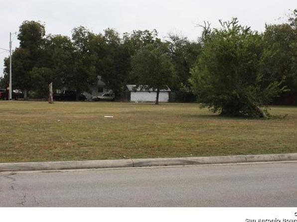 null bed null bath Vacant Land at 637 643 649 W Court St Seguin, TX, 78155 is for sale at 150k - 1 of 6