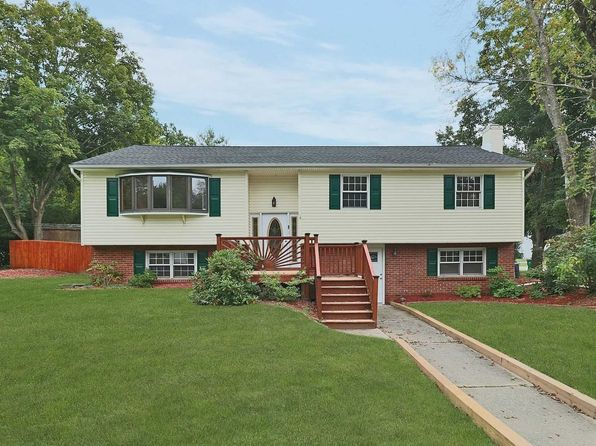 5 bed 2 bath Single Family at 2 Wendy Rd Wappingers Falls, NY, 12590 is for sale at 329k - 1 of 21