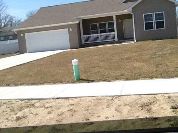 3 bed 2 bath Single Family at 1405 Chippewa St Flint, MI, 48503 is for sale at 61k - google static map
