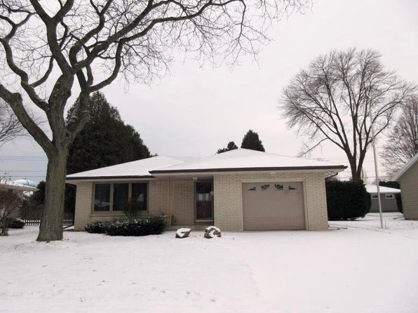 3 bed 2 bath Single Family at 1015 Magnolia Ave Manitowoc, WI, 54220 is for sale at 110k - 1 of 25