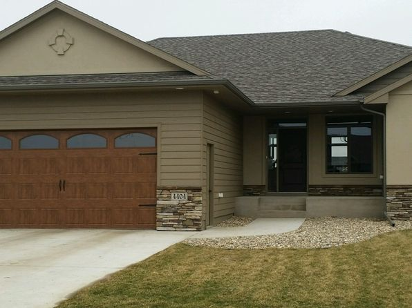 5 bed 4 bath Single Family at 4404 S Dubuque Ave Sioux Falls, SD, 57110 is for sale at 455k - 1 of 13